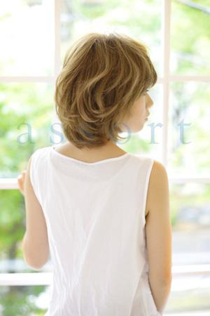 ショートヘアスタイル