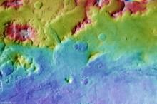 Mars'ın dev krateri Halles Havzası'nın topografik görüntüsü. Krater 2200 km genişliğinde olup en derin noktası yüzeyden 9 km aşağıdadır (ESA/DLR/FU Berlin).