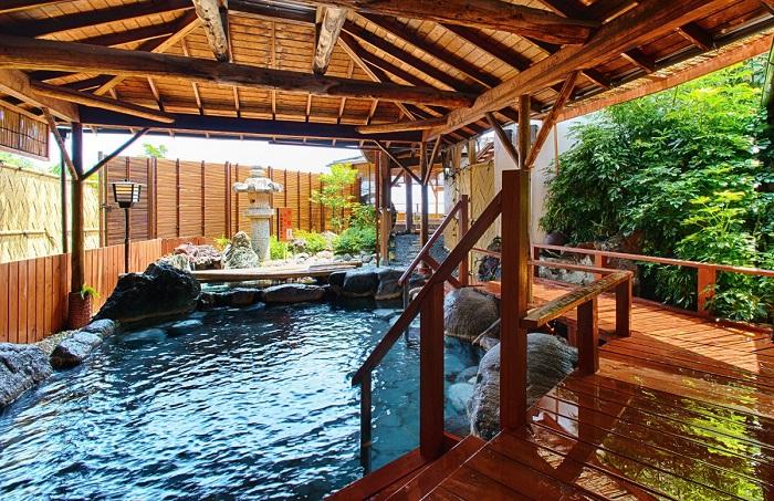大浴場「海色」露天岩風呂