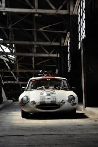 Jaguar Type E Série 1 - Vue de face - Atelier Automobile