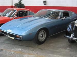 Garage spécialisé dans la restauration de voitures toutes marques