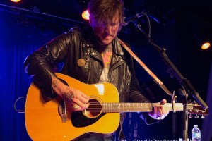 Butch Walker Plays Surprise Show @ Smith's Olde Bar 04/05/16