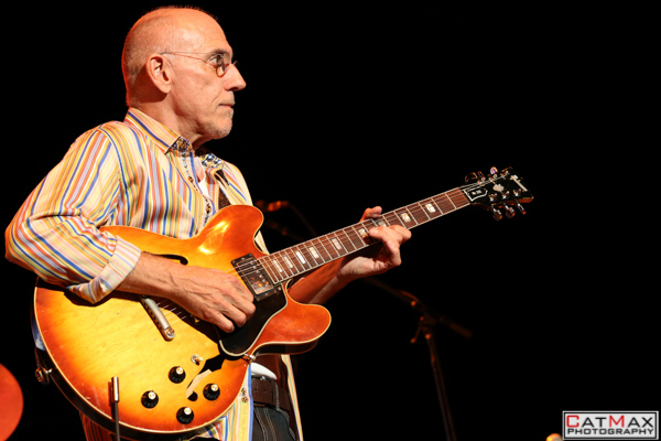CatMax Photography – BB King – Peter Frampton – Verizon Wireless – GA-8009
