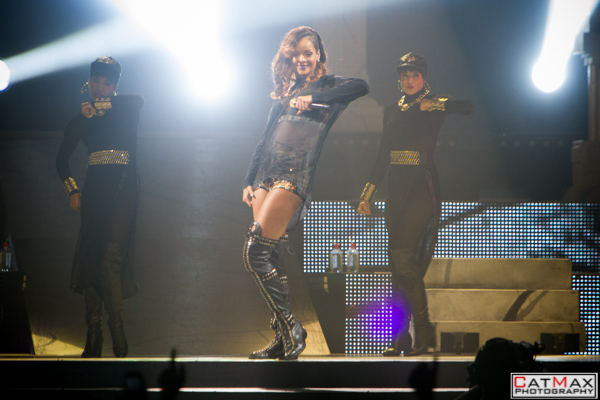 CatMax-Rihanna-Philips-Arena-1081