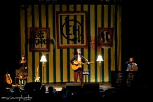 Picture Book and Review: Eric Hutchinson @ Center Stage, December 1st