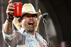 Picture Book: Toby Keith @ Aarons Amphitheatre at Lakewood August 24