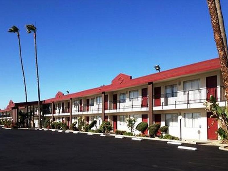 _0006_Red Roof Inn (Los Banos)