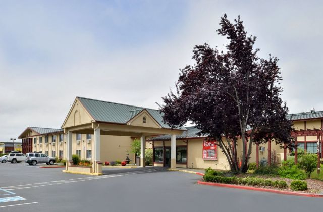 Red Roof Inn (Arcata)