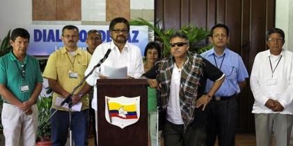 FARC Y GOBIERNO DE COLOMBIA YA DISCUTEN CESE DEFINITIVO AL FUEGO