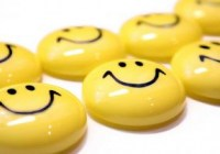 Make a smile volunteer theater program