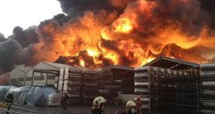 大量轮胎燃烧造成当地空气质素严重恶化。(网络图片)