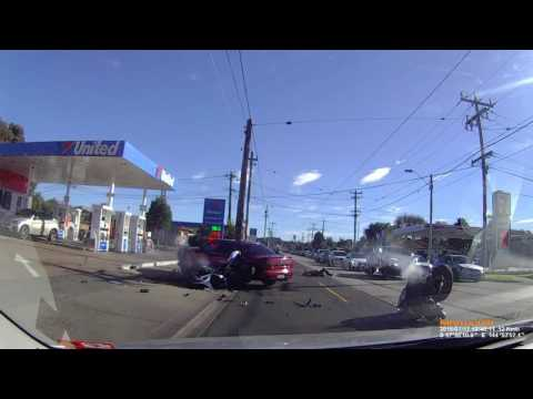 17-07-2016 - Car pulls out blindly in to the path of two motorcycles, gets T boned (Maribyrnong, Melbourne)