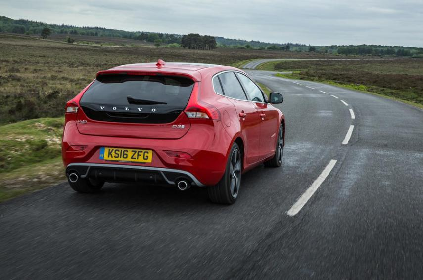 Volvo V40 Review  2018    Autocar Volvo V40  Volvo V40 rear