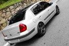 clio-sedan-2004-rebaixado-prata-aro-17-chumbo