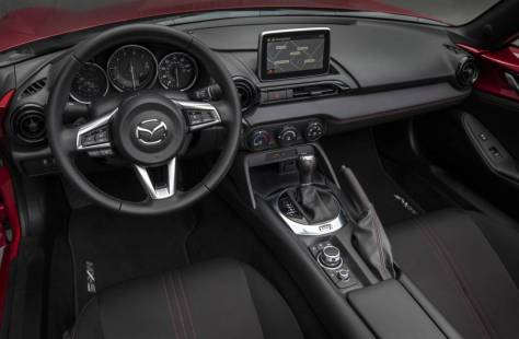 El Mazda MX-5 RF, ya disponible en Colombia