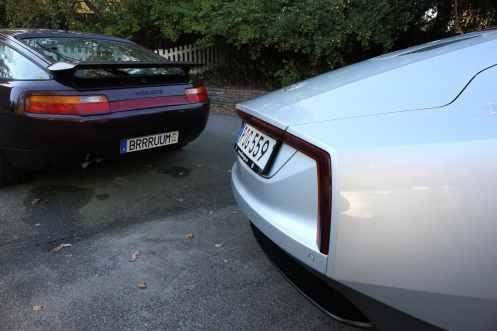 Porsche 928 com placa especial custa 650 euros por ano, o dinheiro vai para melhorias no trânsito