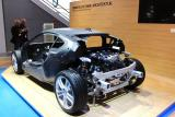 Le moteur essence qui entraîne les roues arrières de la BMW i8