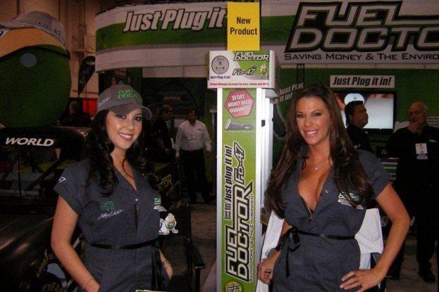 SEMA Booth Girls (11)