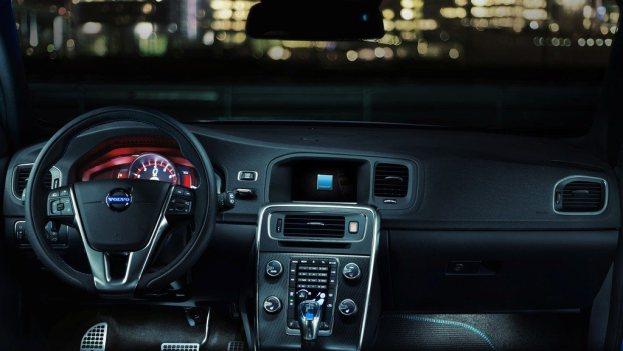 Volvo S60 and V60 Polestar Dash
