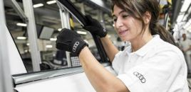 Audi Develops Special Assembly Line Gloves