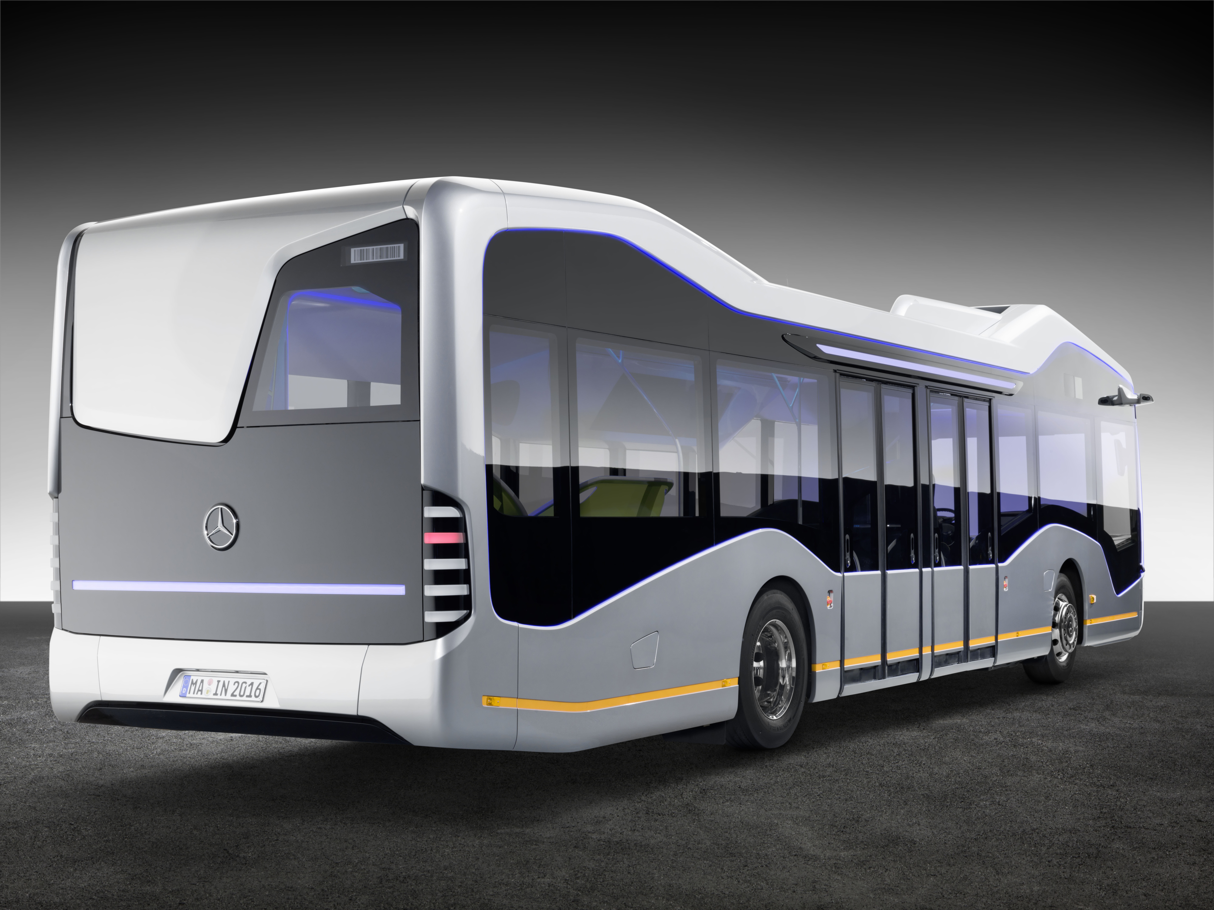 Mercedes benz redefines brt with future bus auto for Mercedes benz coach