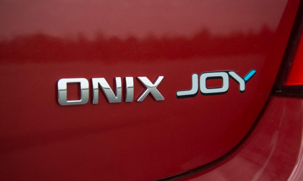 Novo-Onix-Joy-2017