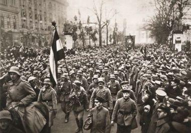 Znalezione obrazy dla zapytania german disarmament treaty of versailles