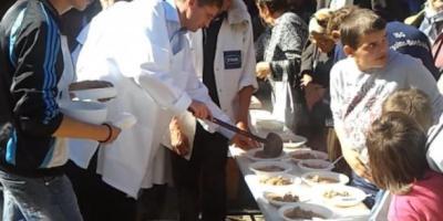 tocana-de-oaie-si-pasatul-vedetele-targului-de-produse-traditionale-de-la-petrosani1350736029