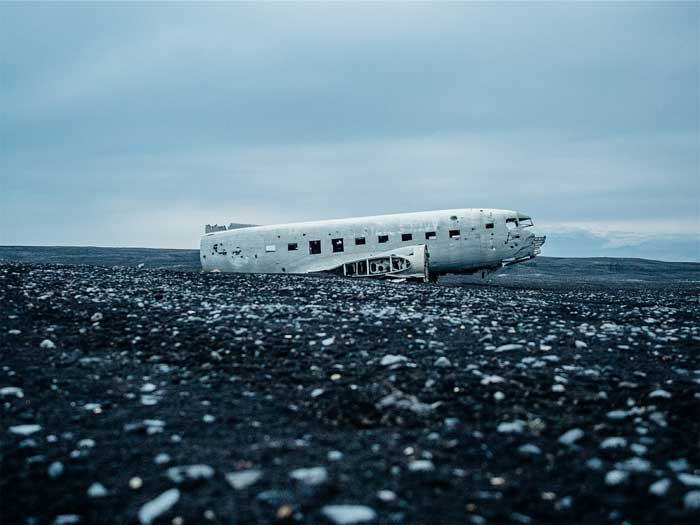 Abandoned plane in Iceland. Don't miss the top 10 things to do in Iceland! Click through to read the whole post!
