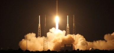 1dragon-launch2
