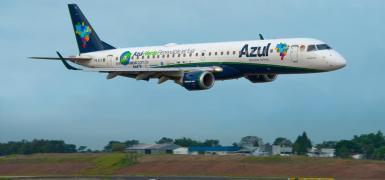 Jato Embraer ERJ 195 usando biocombustíveis