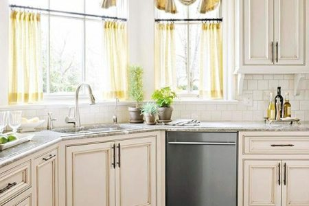the right kitchen curtains 18 designs for a cozy interior 0 584