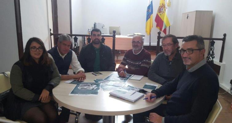 Reunión con miembros de la Asociación Mercedes Medina