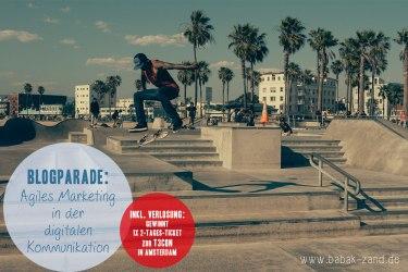 Skateboard-Fahrer springt in die Luft