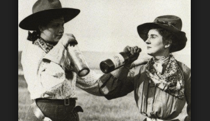 lesbian-pioneer-same-sex-wedding