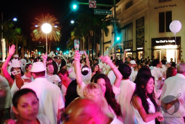 Party people. Dîner en Blanc on Rodeo Drive, Beverly Hills CA