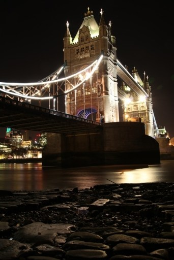 London bridge from the shore trixie