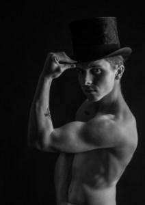 Top Hat - no tales