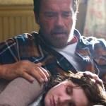 Arnold Schwarzenegger e Abigail Breslin nel primo trailer dello zombi movie Maggie