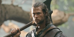 chris hemsworth banner cacciatore
