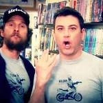 Matthew McConaughey e Jimmy Kimmel girano uno spot per una videoteca di Austin