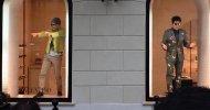 Ben Stiller e Owen Wilson in vetrina da Valentino a Roma per promuovere Zoolander 2!