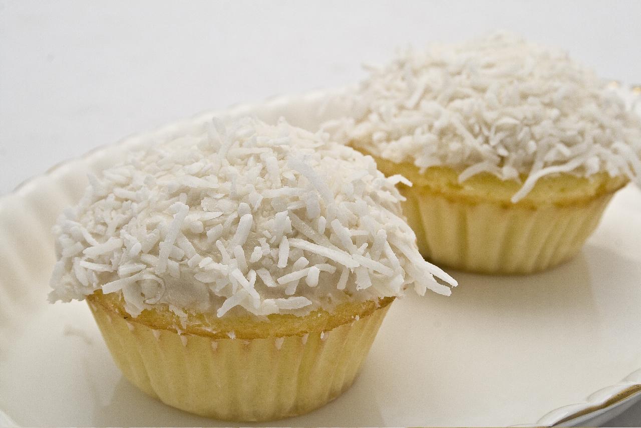 coconut-cupcakes_4