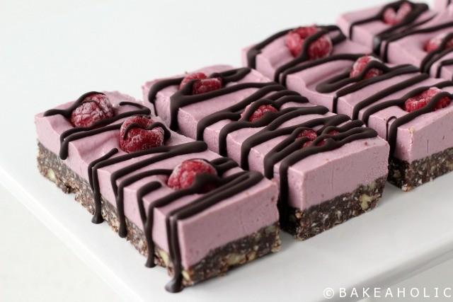 Raw Raspberry Slice // Bakeaholic.ca