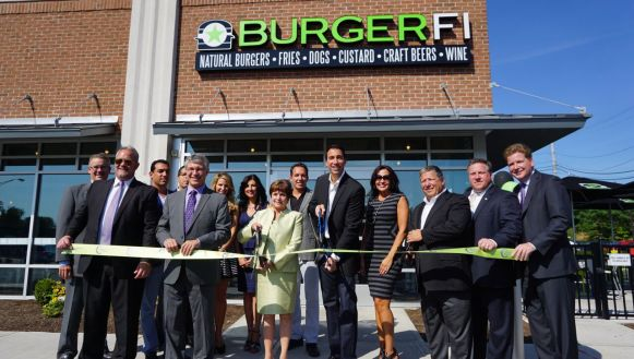 burgerfi ribbon cutting