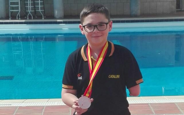 Íker Ruiz amb la medalla