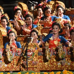 Duta Gong Kebyar Wanita Denpasar VS Badung PKB ke-39