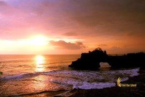 batu bolong sunset, tanah lot, bali, temple, rock, sea, tanah lot bali, tanah lot temple, bali temple on rock, places, places of interest
