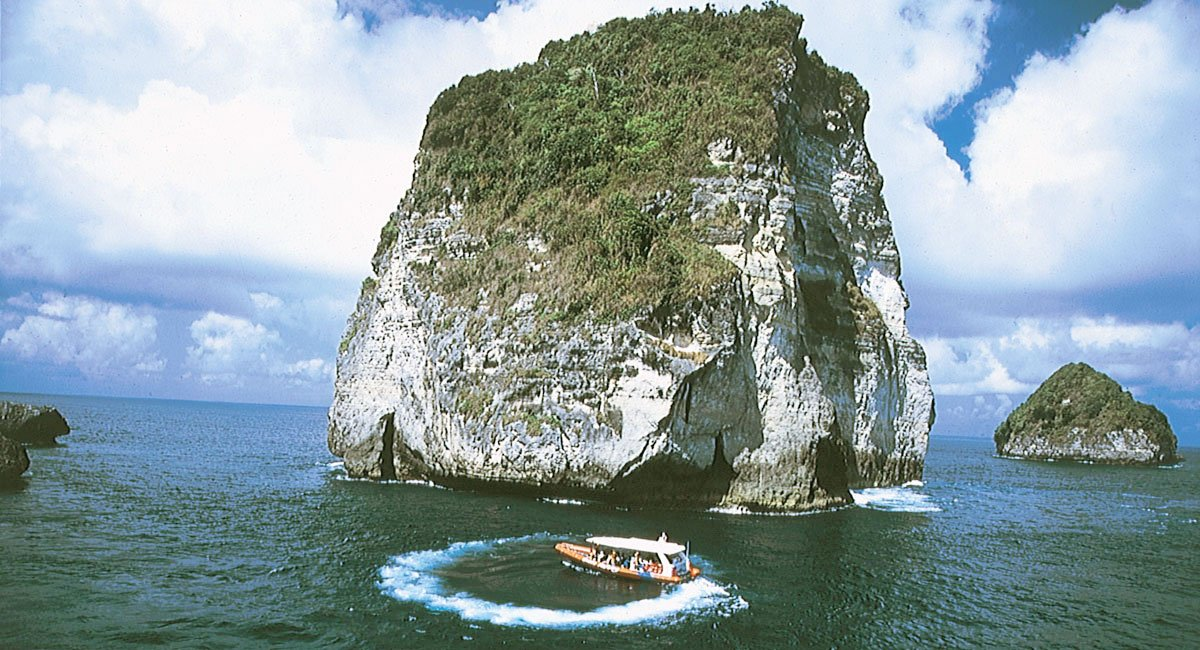 Three Islands Day Cruise | Ocean Rafting Bali Hai Cruises