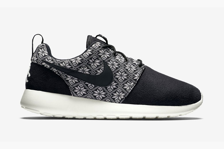 Nike Roshe One Winter Yeti Sweater